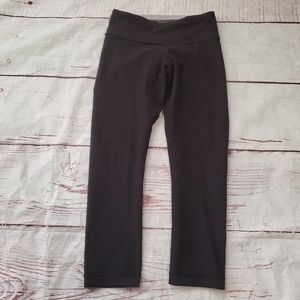 Lululemon Reversible Groove Crops Size 2